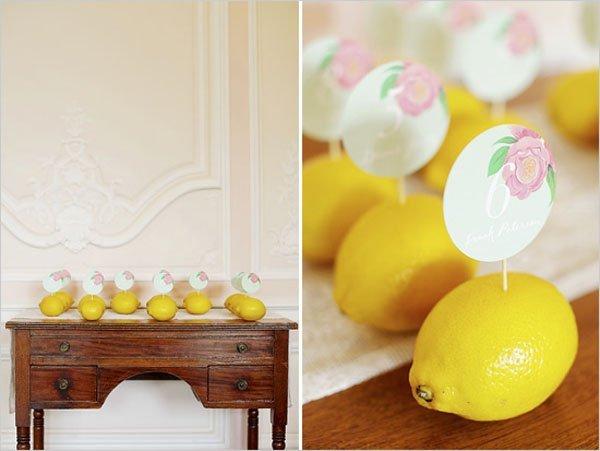 Escort card en limones