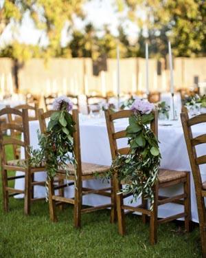 adorno para sillas en boda veraniega
