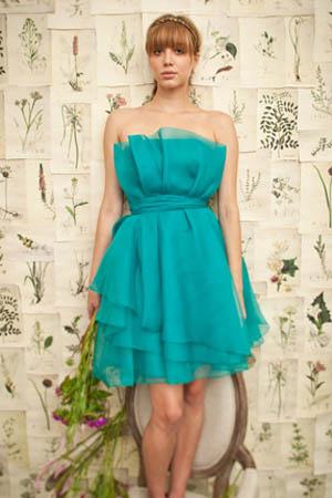 vestido azul palabra de honor