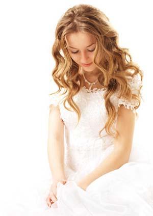 novia con pelo suelto ondulado